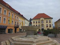 Fountain, Hauptplatz, St. Veit an der Glan, Austria (Paul McClure DC) Tags: architecture austria sterreich krnten carinthia historic sanktveitanderglan sept2012