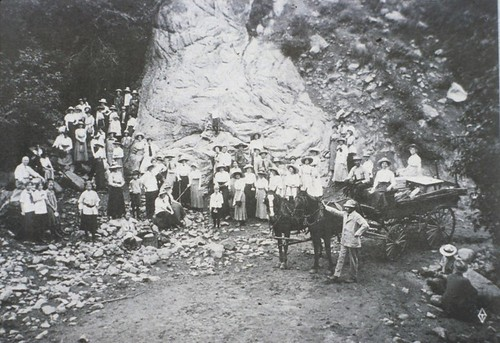Photo - Visitors to Woods Quarry - 1920ish