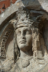 Sculptural roundel of Queen Berengaria, Somerleyton Hall Gardens, Suffolk (mira66) Tags: sculpture statue gardens garden hall suffolk queen relief bust roundel somerleyton berengaria gwuk berngara