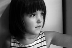 Lumire (Chagab) Tags: pictures blue portrait white black color children 50mm high nikon key child photos clown 14 tram kind fotos highkey enfants d200 enfant couettes kinders knd