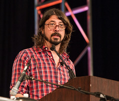 Excuse me, young man. I'm speaking here. (3FM) Tags: music rock glasses foto ben muziek spectacles foofighters keynote foureyes davegrohl keynotespeaker 3fm houdijk fotobenhoudijk