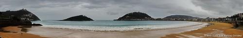"San Sebastian: Playa de la Concha • <a style=""font-size:0.8em;"" href=""http://www.flickr.com/photos/26679841@N00/8569422269/"" target=""_blank"">View on Flickr</a>"