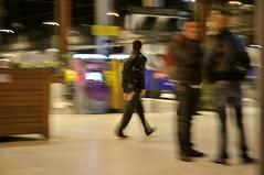 (Alain ) Tags: station nikon gare bahnhof railways quai icm vie voyageurs vitesselente d300 slowspeed poselongue passagers usagers intentionalcameramovement capturenx2