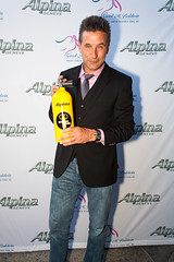 William Baldwin and the Alpina Extreme Diver (Alpina Watches) Tags: charity usa watches alpina watch william actor billy diver baldwin uhr cabanas maritimehotel williambaldwin alpinawatches divingbottle carolmbaldwinfoundation