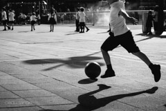 Keep playin' kids (Cedpics) Tags: city school game playground kids ball spain play soccer ballon bilbao espagne bilbo basquecountry ecole uniforme paysbasque thephotographyblog