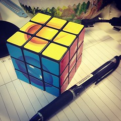 #candycrush #rubiks #cube mind fudge. (Ping @sanna ) (swecficklampa) Tags: square squareformat iphoneography instagramapp xproii uploaded:by=instagram