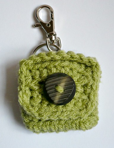 FREE PATTERN - Small Square Coin Purse with key ring and clasp