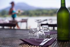 Djeuner au lac (Nathalie Le Bris) Tags: djeuner lac diner paix tranquilidad quiet dof green verd verde bouteille bottle botella restaurant restaurante terraza terrasse summer verano t relax