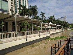 The Peninsula Dock (geraldm1) Tags: thailand bangkok tropics tropical asia thai chaophrayariver