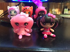 New minis :-) (Unicornsandwolfs) Tags: monster high minis mystery draculaura getting ghostly original exclusive vinyl figure