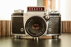 Into a classic lens (The Adventurous Eye) Tags: classic lens analog film camera exakta varex iib