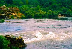 Rio Minho | River Minho | Rivire Minho | Fiume Minho | Ro Mio |   (Antnio Jos Rocha) Tags: portugal minho galiza mono rio riominho gua corrente natureza rochas pedras vegetao verde cores fronteira fronteiranatural