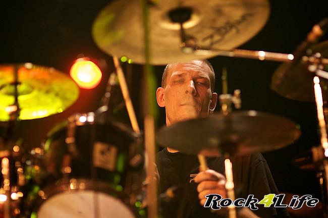 DEO  Rock4Life Tribute to Rock Classics (13)