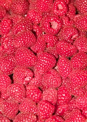 Raspberries (paulgmccabe) Tags: red food fruit juicy healthy berry berries good fresh health raspberry organic diet raspberries ripe nutrition