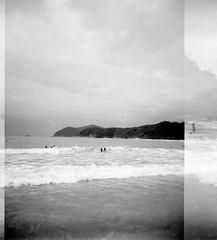 (Guilherme Dearo) Tags: ocean sea summer brazil people sun sol praia beach water gua brasil mar sand pessoas areia land vero terra oceano