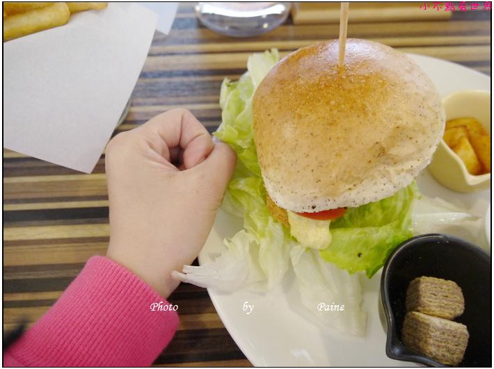 中壢傑尼兔漢堡早午餐 (42).JPG