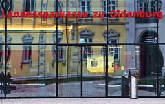 Zentrale Filiale (niedersachsenfoto) Tags: spiegelung schlossplatz oldenburg fassade schlosshfe landessparkasse niedersachsenfoto schlossfassade