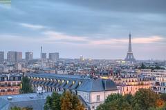 AMbiance Parisienne (bertrand kulik) Tags: en paris monument de soleil lumire arc coucher ciel toureiffel nuage nuit hdr
