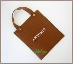 Sacola personalizada (artesbybax - Carmen) Tags: feltro sacola lembrancinha sacolinha sacolinhapersonalizada