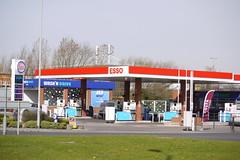 Esso, St Andrew's Quay Hull. (EYBusman) Tags: station st andrews garage yorkshire mobil quay gas east service petrol hull gasoline total esso filling exxon eybusman shopndrive washndrive