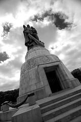 Memorial centrepiece (daniel_james) Tags: 2016 berlin germany europe canon1022mm treptowerpark sowjetischesehrenmal sovietwarmemorial blackandwhite vuchetichstatue