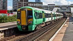 377707 (JOHN BRACE) Tags: 2013 built bombardier derby class 377 electrostar 377707 southern livery east croydon station