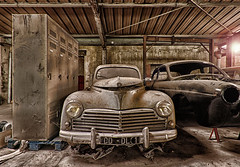 203... soleil !!! (ElfeMarie) Tags: voitures garage abandonn oubli lost decay urbex 203 peugeot