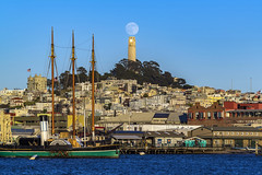 Full Moonrise Coit Tower (alittlegordie) Tags: coittower fullmoon moon landscape city sanfrancisco
