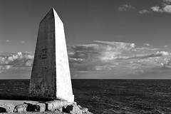 Alternative Architecture and Street Detail (Mike Peckett Images) Tags: obelisk portlandbill mikepeckett holiday blackandwhite blackandwhitephotography mono l