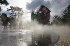"""Entre brume et soleil (Marko""""76"""") Tags: fondationlouisvuitton architecture danielburen france paris marko76 courbes franckgehry"""