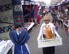 Su gente Mercado Otavalo Ecuador 28 (Rafael Gomez - http://micamara.es) Tags: su gente mercado otavalo ecuador