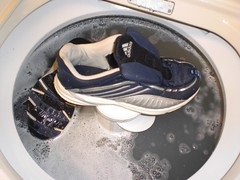 2785433060101387008gcAAan_fs (CallalilyGazer) Tags: shoes bleach dirty sneakers tennis worn smelly stinky oldshoes smellyshoes dirtysneakers muddysneakers wetsneakers washsneakers