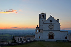 Assisi - La Basilica al tramonto - San Francesco's Church at sunset (Ola55) Tags: sunset italy tramonto peace pace assisi umbria italians basilicadisanfrancesco mywinners aplusphoto bellitalia hccity worldtrekker ola55 100commentgroup peacetown cittàdellapace
