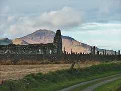 Carlingford- Templetown- Kilwirra Church ruins, graveyard and view to Slieve Foye- DSCF4364 (Cairlinn) Tags: mountain graveyard ruin carlingford churchruins slievefoye templetown kilwirrachurch