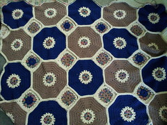 Octagon & Squares Throw Challenge by The Crochet Crowd (The Crochet Crowd) Ta