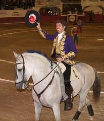 Pablo Hermoso de Mendoza y su caballo. (joven_60) Tags: mexico sanmigueldeallende guanajuato bullfights rejoneador lafiestabrava lacorrida pablohermosodemendoza plazadetorosoriente