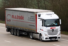 Mercedes Actros new look 8B0 6834 (gylesnikki) Tags: white truck artic mp4 mstrade