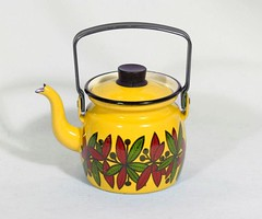Yellow Finel kettle - Esteri Tomula (Elina Aulikki) Tags: kettle arabia enamel