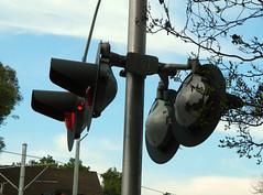 Safetran LED Railroad (RXR) stop signals (Traffic signal Guy 17) Tags: railroad digital aluminum crossing bell south led southern signals stop rxr pasedena safetran roundoors