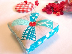 Patchwork, Please! Prettified Pincushion (Happy Zombie) Tags: sewing quilting patchwork zakka ayumitakahashi redandaqua pinkpenguin patchworkplease prettifiedpincushion