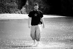 (Javi S&M) Tags: sea blackandwhite bw blancoynegro portugal gente playa alvor