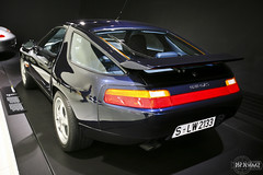 Porsche 928 GTS (rbpdesigner) Tags: slr cars tourism car germany deutschland europa europe stuttgart culture voiture coche porsche carro 5d autos turismo allemagne  cultura coches alemanha gts 928 dreammachine porschemuseum bundesrepublikdeutschland badenwrttemberg sonhodeconsumo porsche928 bundesland  esportivo llens canoneos5d weilimdorf canonllens ferdinandporsche superesportivo  lentel canonef1635mmf28liiusm estugarda 928gts porsche928gts velhomundo  bundeslandbadenwrttemberg velhocontinente mquinadossonhos repblicafederaldaalemanha museuporsche schtzenbhlstrase schwieberdingerstase bahnneuwirtshaus