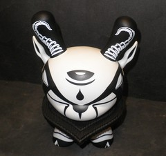 The Hunted by Colus Havenga X Kidrobot 05 (mikaplexus) Tags: bw favorite white black art toy toys blackwhite designer kidrobot wicked collectible limited rare limitededition collectibles dunny arttoy designertoys hunted arttoys toy2r thehunted dunnys designervinyl ireallylike i3toys colus havenga i3dunnys