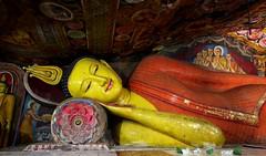 E' tempo di meditare #insolitamente (#Insolitamente00) Tags: travel emozioni viaggio buddha buddhismo colors color dambulla meditation pray canon canon100d canonofficial canonphoto