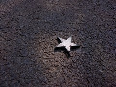Fallen Star (lunat1k) Tags: star fallenstar shootingstar lookingdown nuboyana boyanafilmstudios leftbehind onset light nexus5x sofia bulgaria cinema props