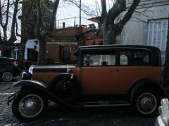 """Colonia del Sacramento et ces voitures qui achèvent leur fin de vie dans les rues <a style=""""margin-left:10px; font-size:0.8em;"""" href=""""http://www.flickr.com/photos/127723101@N04/29080447633/"""" target=""""_blank"""">@flickr</a>"""