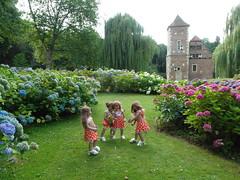 Kindergartenkinder auf Burg Hlshoff ... (Kindergartenkinder) Tags: dolls himstedt annette kindergartenkinder park garten kind personen annemoni sanrike tivi milina burg hlshoff