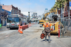 160816_1098_4thStSTS (Central Subway) Tags: 47bus 4thstreet 5554thstreet centralsubway freelonalley muni sf sfmta sts sanfrancisco sanfranciscomunicipalrailway sanfranciscomunicipaltransportationagency soma tthirdline thepalms bobcat construction excavator extension flagger installation lightrail phase2 project sewer southofmarket surfacetrackwork utilitywork