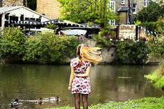 (Julia L.S) Tags: cambridge cambridshire england uk unitedkingdom photography pics picsinengland october otoo autumn fall fallengland girl chica blondegirl blondhair dress landscape landscapeuk ducks riocam camriver green verde 50mm canon50mm18