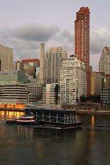 Tugboat & Barge 15 (Roosevelt Island/NYC) (chedpics) Tags: newyork rooseveltisland eastriver tugboat captaind